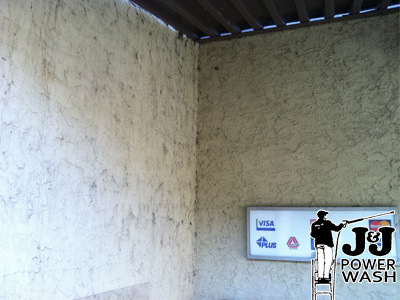 How to Wash Stucco - Before