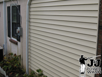 How to Power Wash Vinyl Siding - After